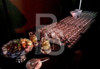 Аренда посуды - тарелок, бокалов, стаканов и сервировочных столовых приборов для банкета и мероприятия с выездным кейтрингом в МСК и СПб цена