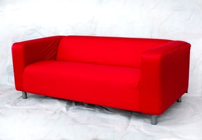 Диван трехместный красный