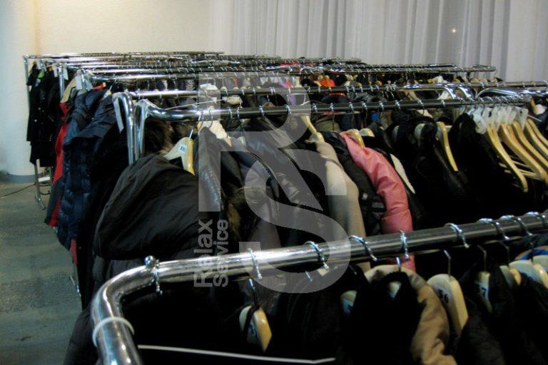 Аренда гардероба на выезд для 600, 700, 800 и 1000 человек на мероприятие цена в СПб, выездной гардероб в прокат взять