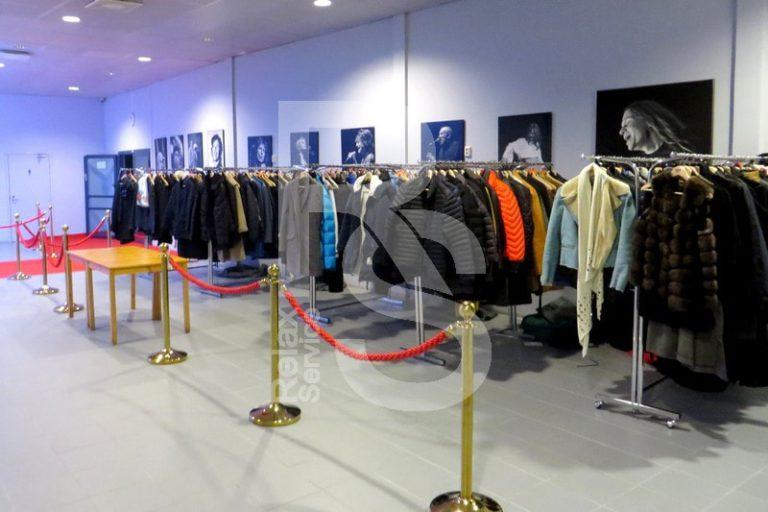 Аренда гардероба на выезд для 200 - 500 человек на мероприятие цена в СПб, выездной гардероб в прокат взять