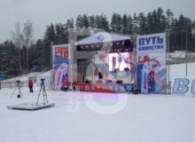 Аренда сцены с крышей 8 на 6 метров на мероприятие в МСК цена, взять в прокат сцену с граундом 8х6 м. в СПб стоимость