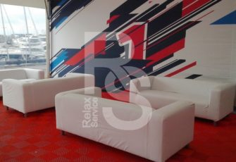 Аренда трехместного мягкого каркасного дивана в чехле белого цвета на мероприятие в СПб и МСК цена