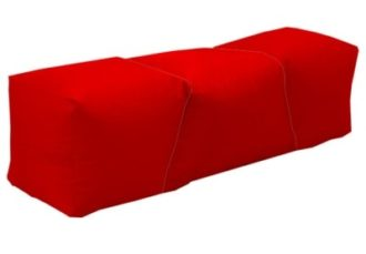 Лавка бескаркасная красная аренда на мероприятие в СПб и МСК цена, прокат бескаркасных лавок в красных чехлах