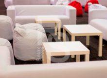 Пуф бескаркасный белый аренда на мероприятие в СПб и МСК цена, прокат бескаркасных пуфиков в белых чехлах