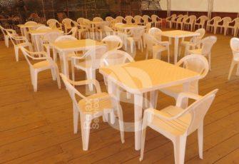 Стол пластиковый квадратный аренда на мероприятие в СПб и МСК цена