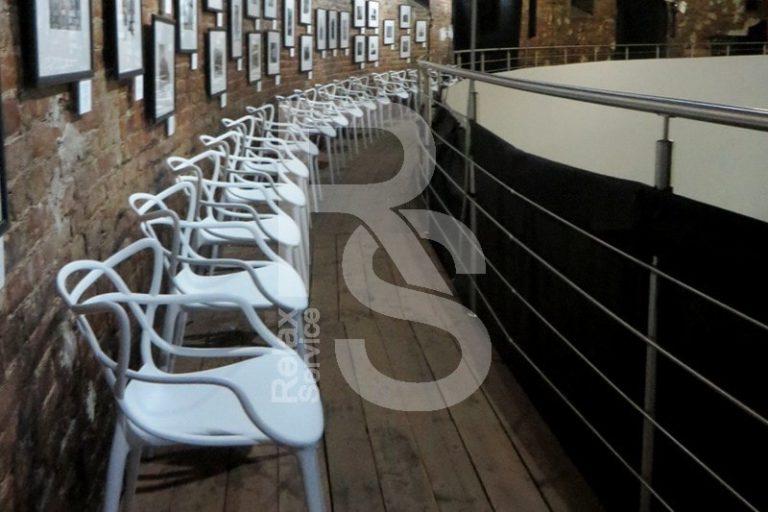 Аренда дизайнерских стульев Masters White белый в СПб на мероприятие цена