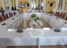 Аренда офисного белого стола для конференций и мероприятий в СПб и МСК цена