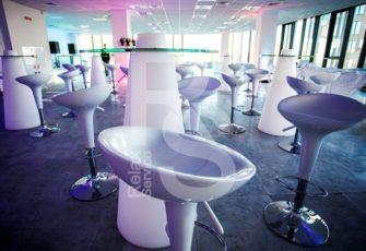 Аренда барных стульев на мероприятия в Москве и Санкт-Петербурге