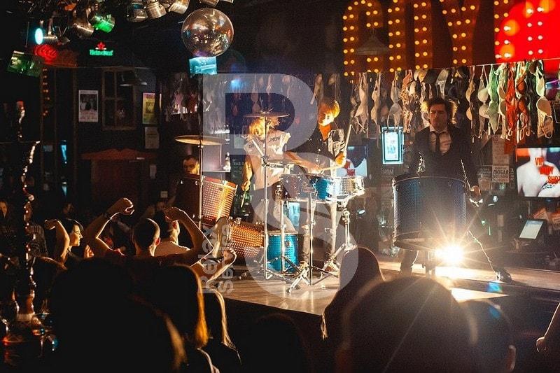 Аренда сцены звука и света на концерт и мероприятие и СПб цена
