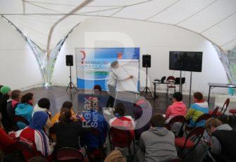 шатер и мебель для выставки и фестивале в аренду