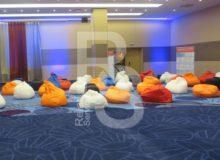 Кресло мешок белый Bean Bag Opti аренда на мероприятие в СПб и МСК цена, кресло груша Бин Бег большой в белом чехле прокат