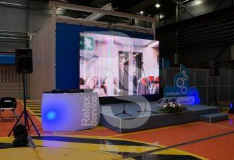 Аренда светодиодных led экранов на мероприятие в МСК цена, прокат уличных диодных панелей в СПб стоимость