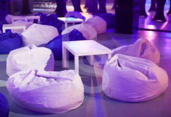 Аренда бескаркасной мебели, бин бегов и столов для мероприятия ВК 2018