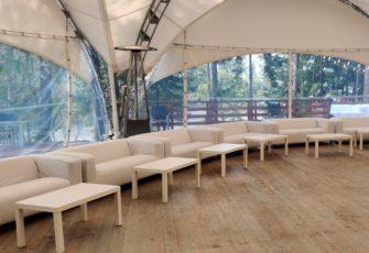 Аренда мебели для мероприятия в ресторане Вереск