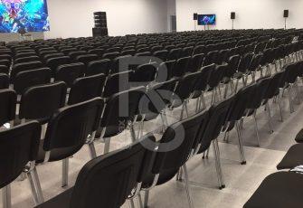 Офисные стулья на мероприятии в ЛЕНПОЛИГРАФМАШ