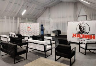 Новые диваны и другая мебель на мероприятии в СПб