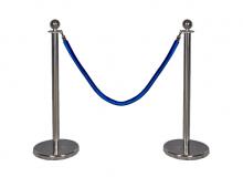 Серебряный столбик с синим канатом