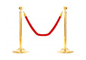 Золотой столбик с красным канатом
